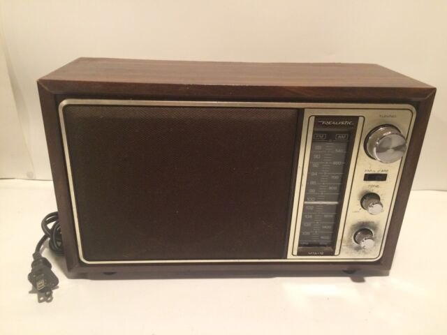 Vintage Realistic Solid State MTA-12 Table Top Radio AM/FM 12-693