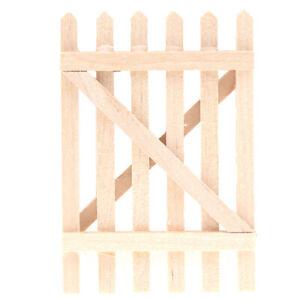 1-12-Dollhouse-Miniature-Accessories-Mini-Wooden-Short-Garden-Fence-Handrail-TSE