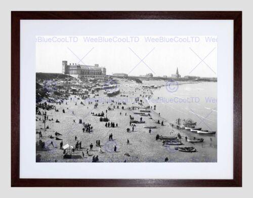 TYNEMOUTH LONG SANDS ENGLAND VINTAGE HISTORY OLD BW FRAMED ART PRINT B12X1288