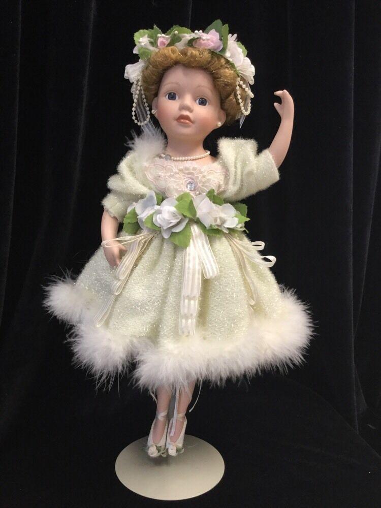 VTG Cathay Collection  Young Btuttiet Dancer Porcelain bambola, Excellent Condition  la migliore selezione di