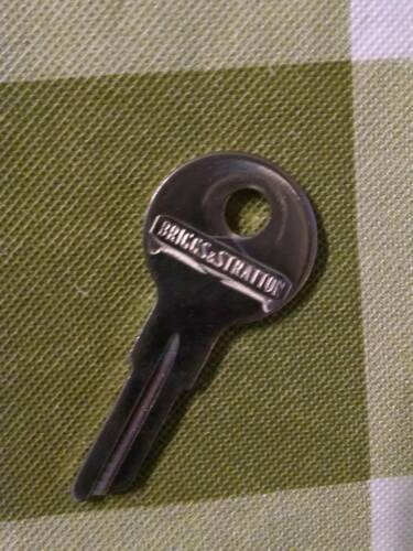 BRIGGS /& STRATTON #82222 Gas Cap Key Blank 1940-80 locking cap U.S cars