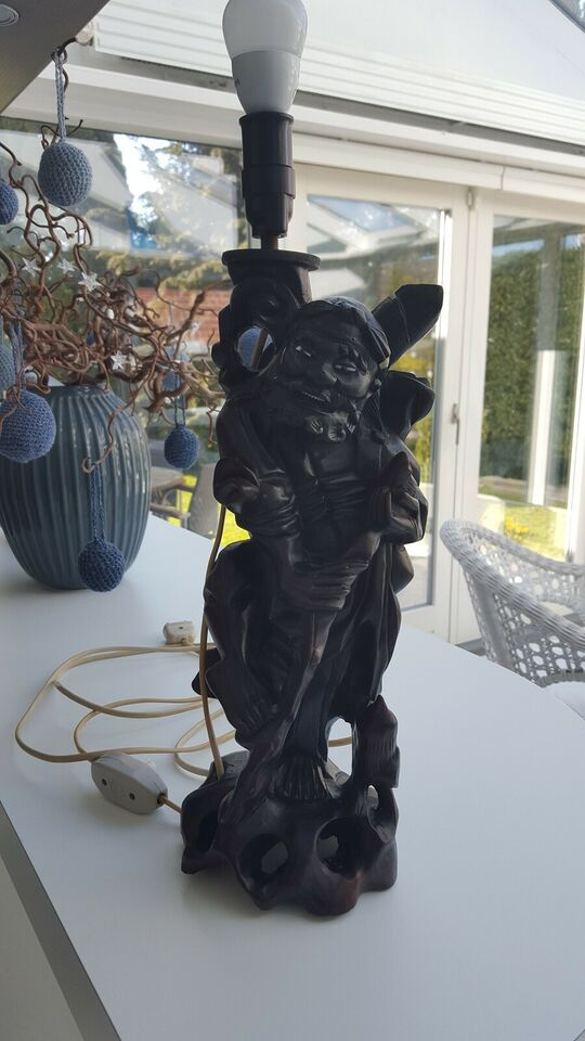 Anden bordlampe, RETRO lampe som træfigur