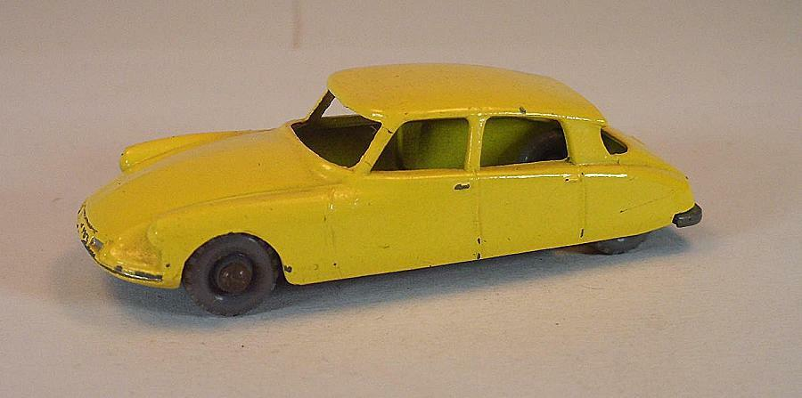 MATCHBOX REGULAR WHEELS nº 66 a CITROEN DS 19 jaune GPW LESNEY 2  305