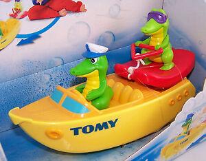 TOMY Ski Boat Crocs Crocodiles - Kids Baby Bath Pool Toy - NEW