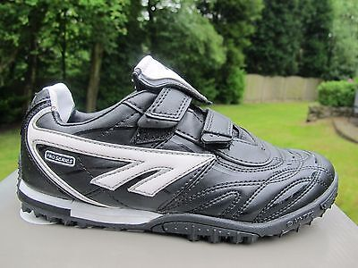 A000681 NO LACE HI TEC JNR FOOTBALL ASTRO TURF Black white UK 4 & 5 soccer