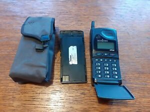 TELEPHONE  ALCATEL MOBILE HB 200 + BATTERIE. VINTAGE.