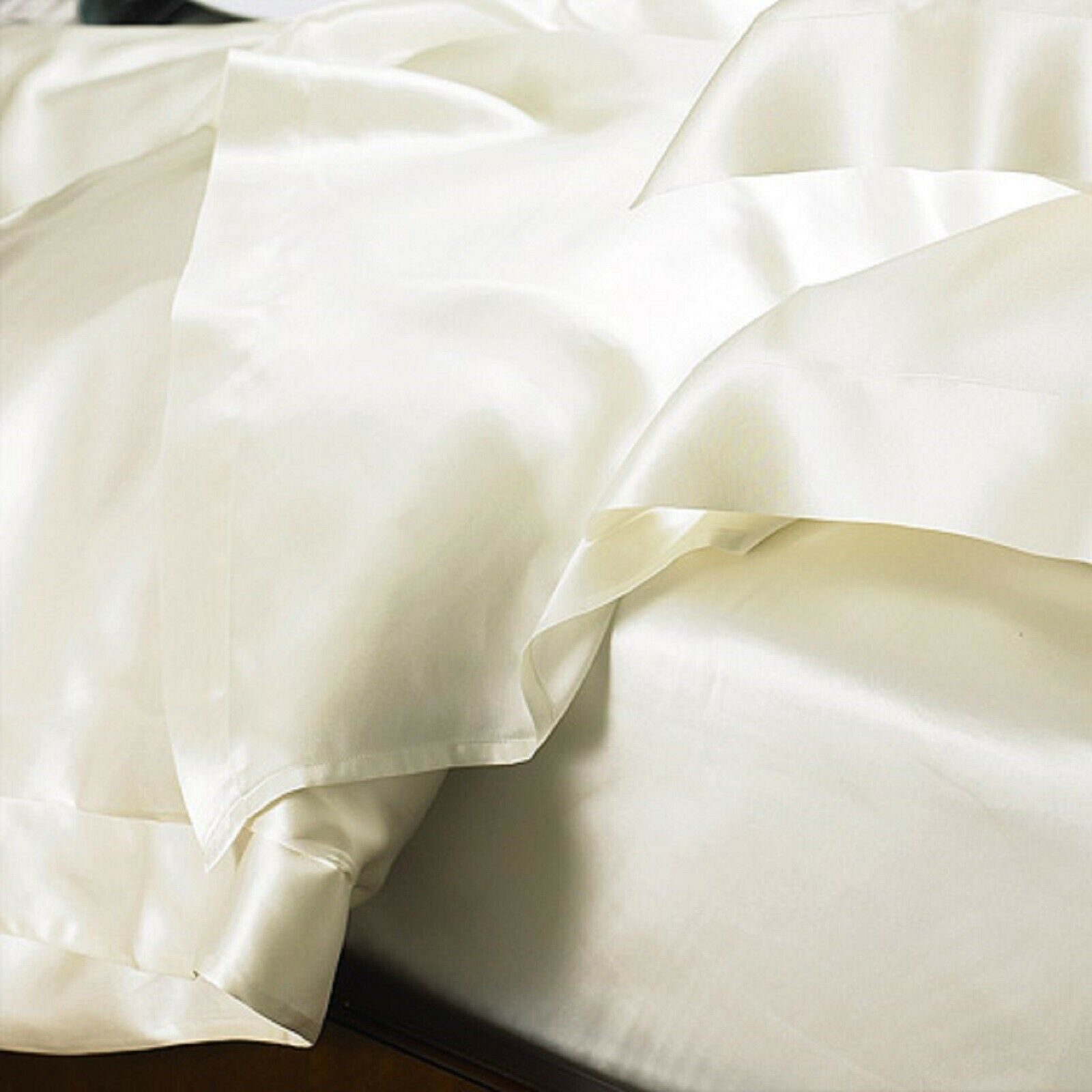 Carlty's 100% Pure Mulberry Silk Bed Set, Sheets & Pillowcases. (Premium Silk)