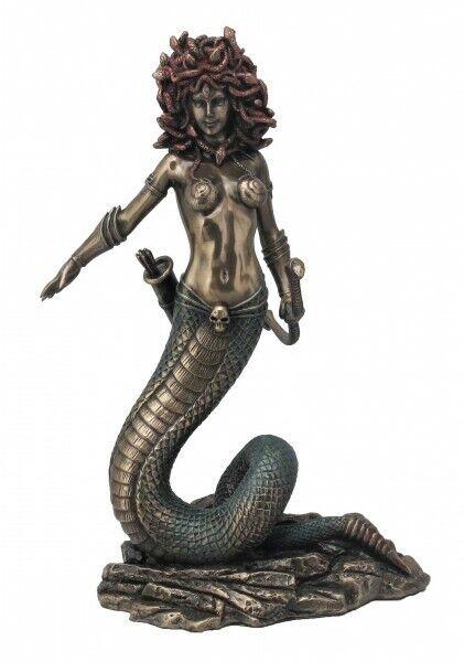 Medusa stehend Figur bronziert Skulptur