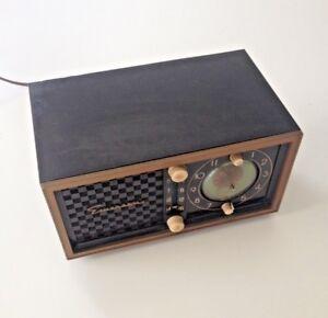 Gradually. very emerson vintage radio variants are