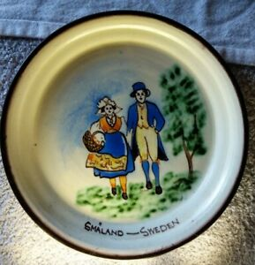 Hand-Painted-glazed-Pottery-Plate-New-York-Worlds-Fair-1939-Smaland-Sweden