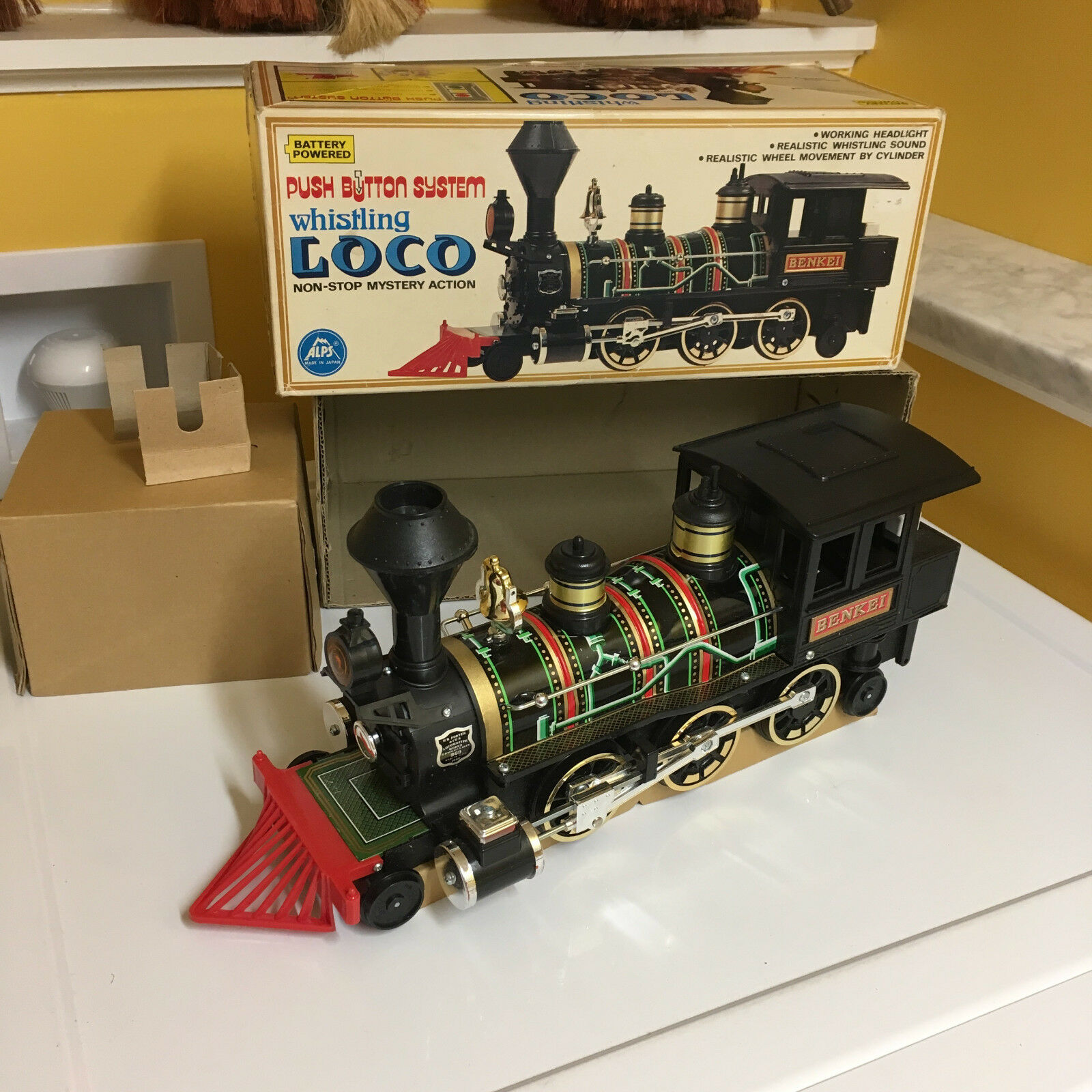 ALPS LARGE BATTERY OPERATED PUSH BUTTON WHISTLING LOCO, FULLY WORKING W BOX