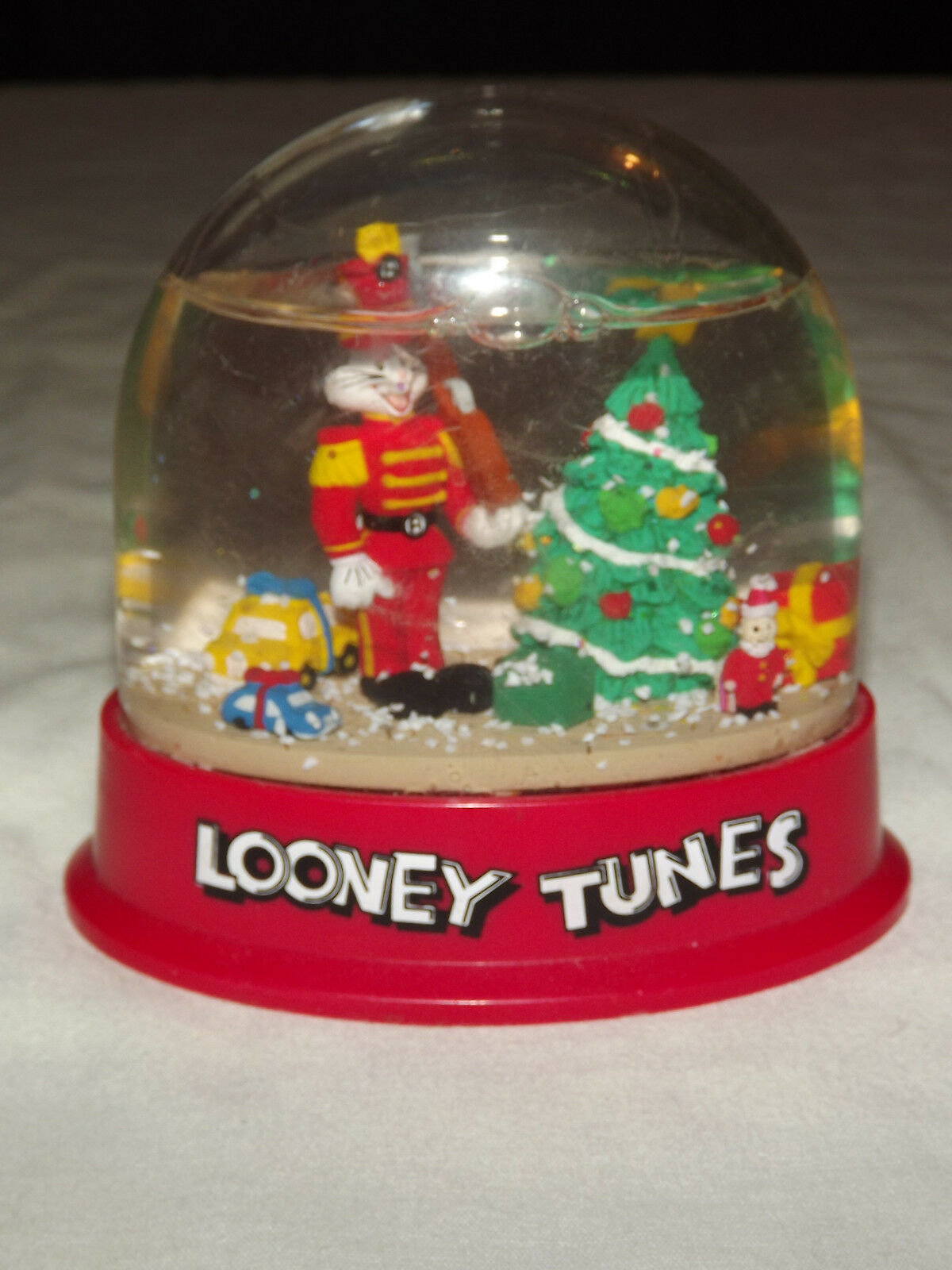 VINTAGE TOY 1996 WARNER BROS LOONEY TUNES BUGS BUNNY CHRISTMAS SNOW GLOBE