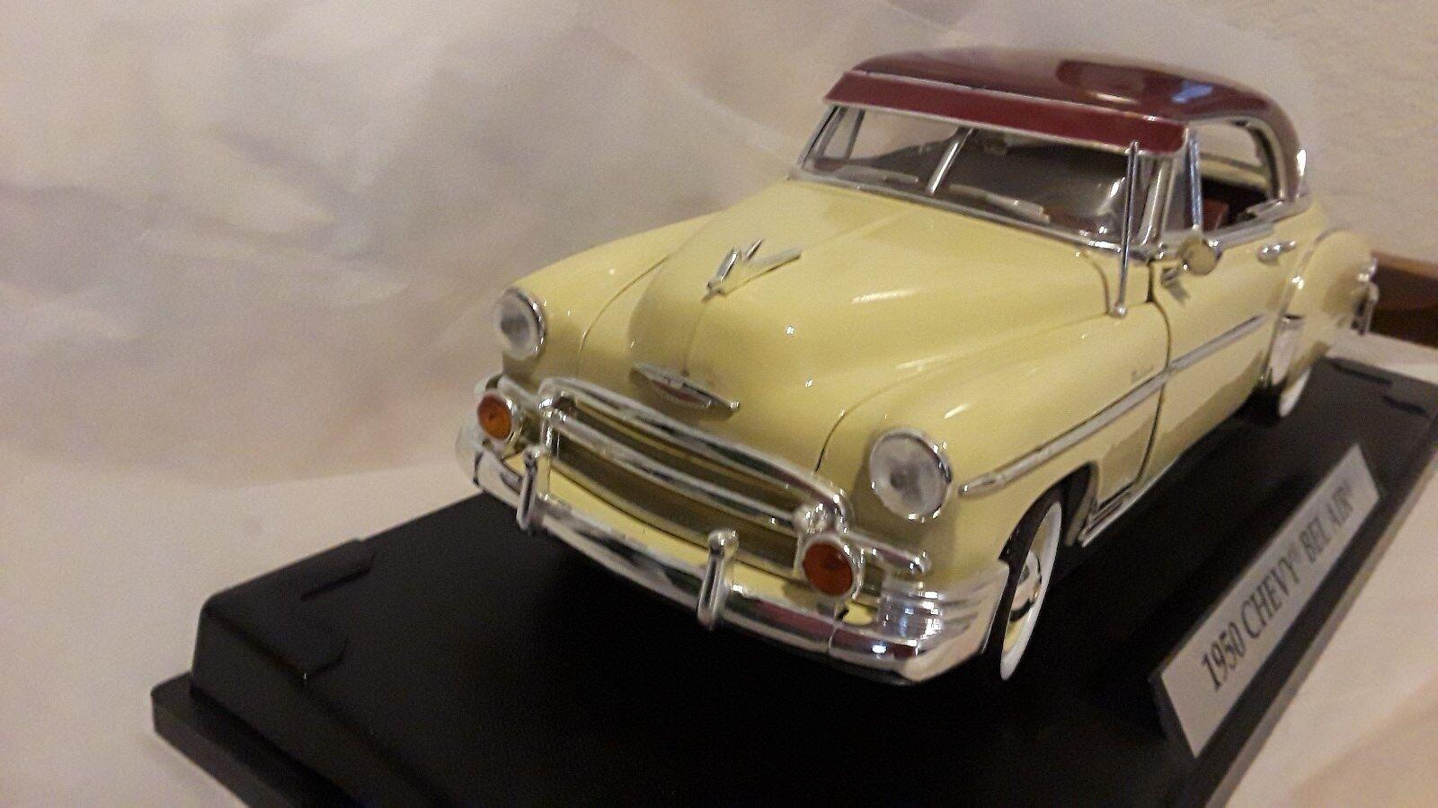 1950 Chevy Chevy Chevy Bel-Air rojo y crema por Motormax 1 18 escala Diecast - 73111 6cdd97