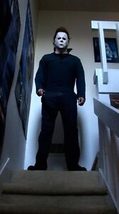 Deluxe-Michael-Myers-Halloween-1-1-Replica-Statue-Figur-Life-Size-Lifelike