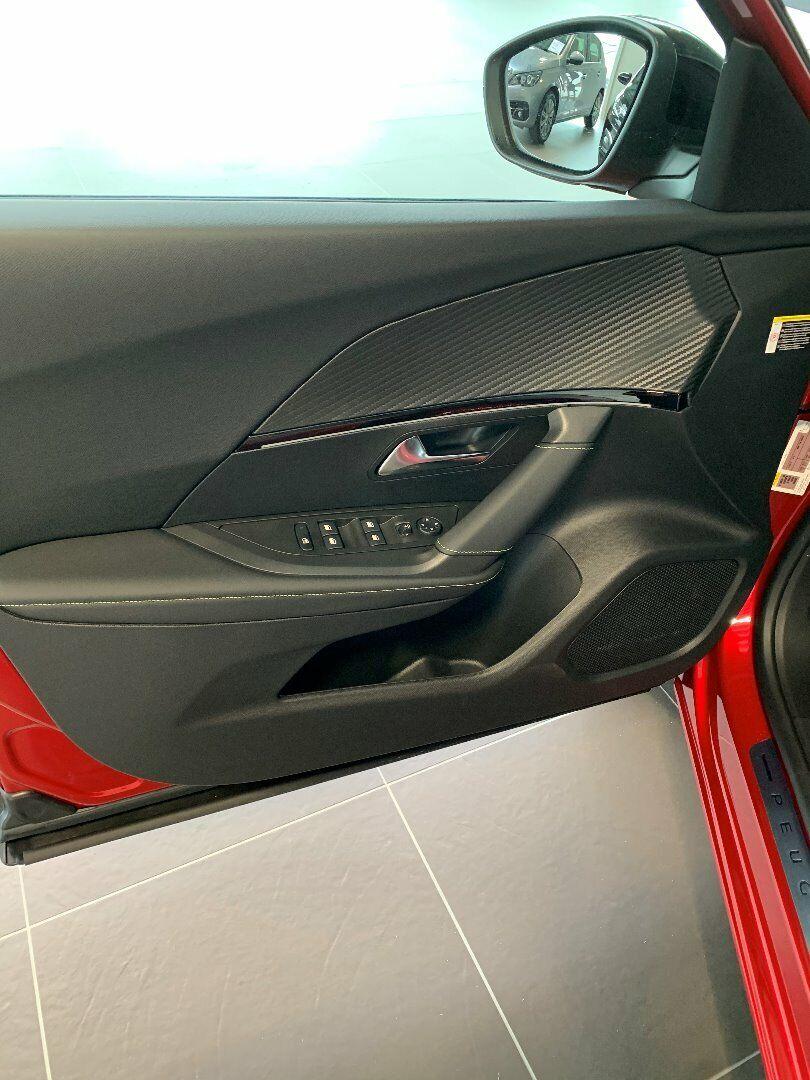 Peugeot 2008 1,2 PureTech 130 GT Line EAT8