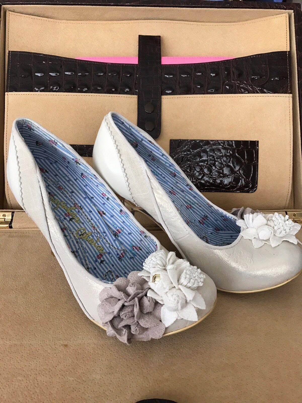 Gold ivory shimmer wedding Irregular Choice Burlesque Beauty wedding shimmer heels 7 f90386