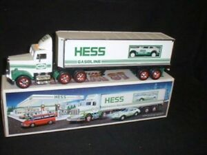Hess-18-Wheeler-and-Racer