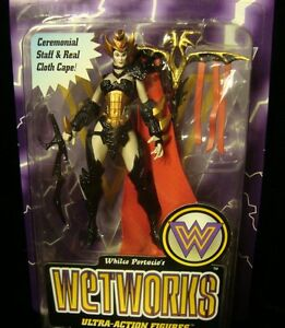 MCFARLANE-WETWORKS-BLOOD-QUEEN-1995-7-INCH-CARD-WEAPON-NEW-CEREMONIAL-STAFF-CAPE