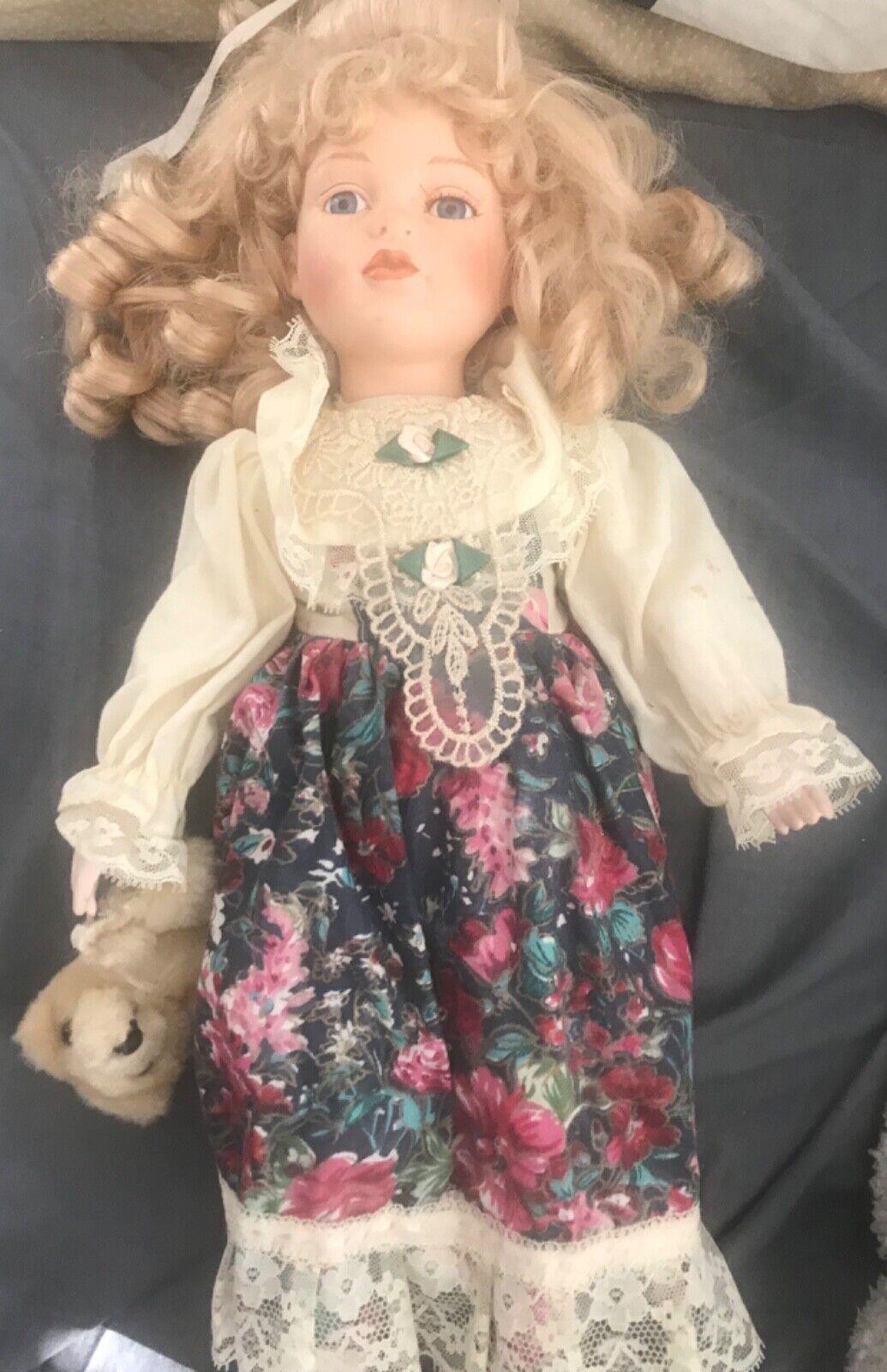 Job Lot Of Vintage Porcelain Dolls Including Leonardo Collection.
