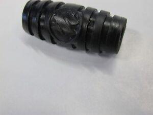 SUZUKI GT250 GT550 GT380 I OEM CYLINDER HEAD RUBBER PAD #  11152-33000