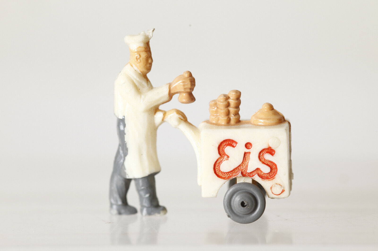 Siku PLASTICA v425 gelati con eiswagen Eisuomon ca altezza 3cm 86240