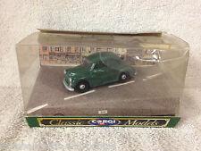 Vintage MORRIS MINOR SALOON D702 CORGI 1989 Classic Models
