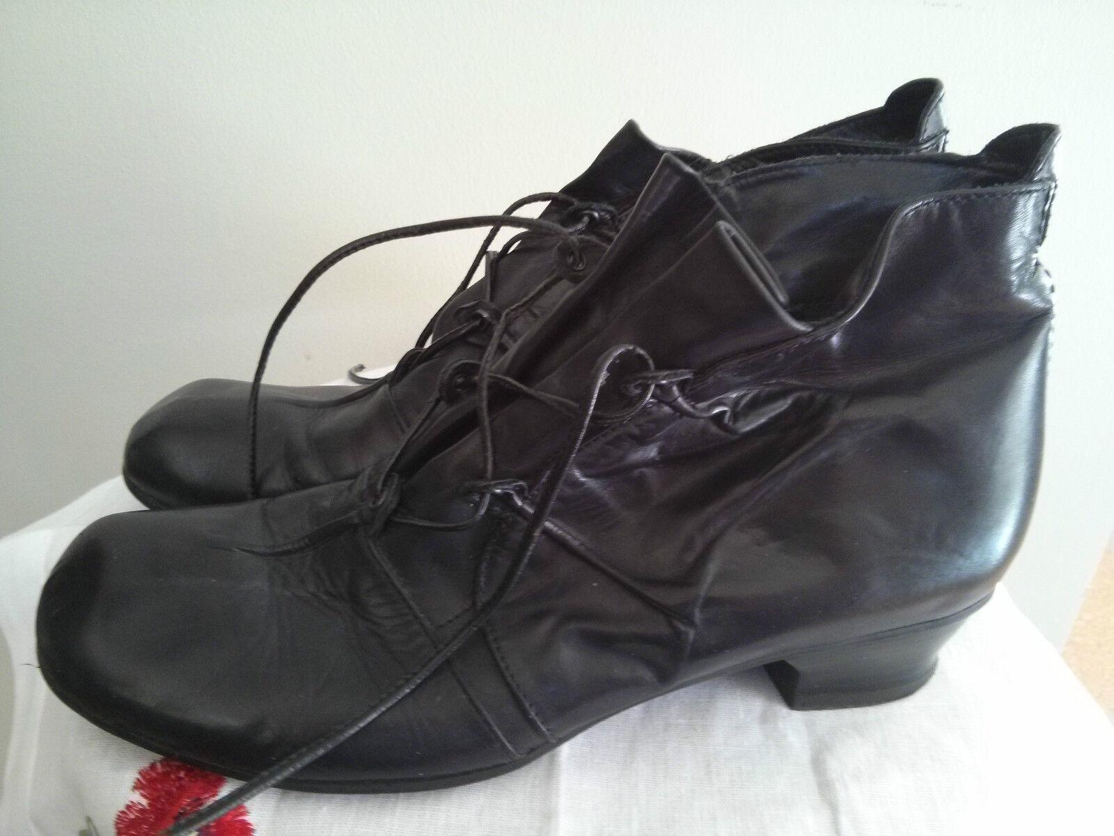 S FRATELITA CALSOLARI REGNATI womens leather boots, size 9.5 US, made in