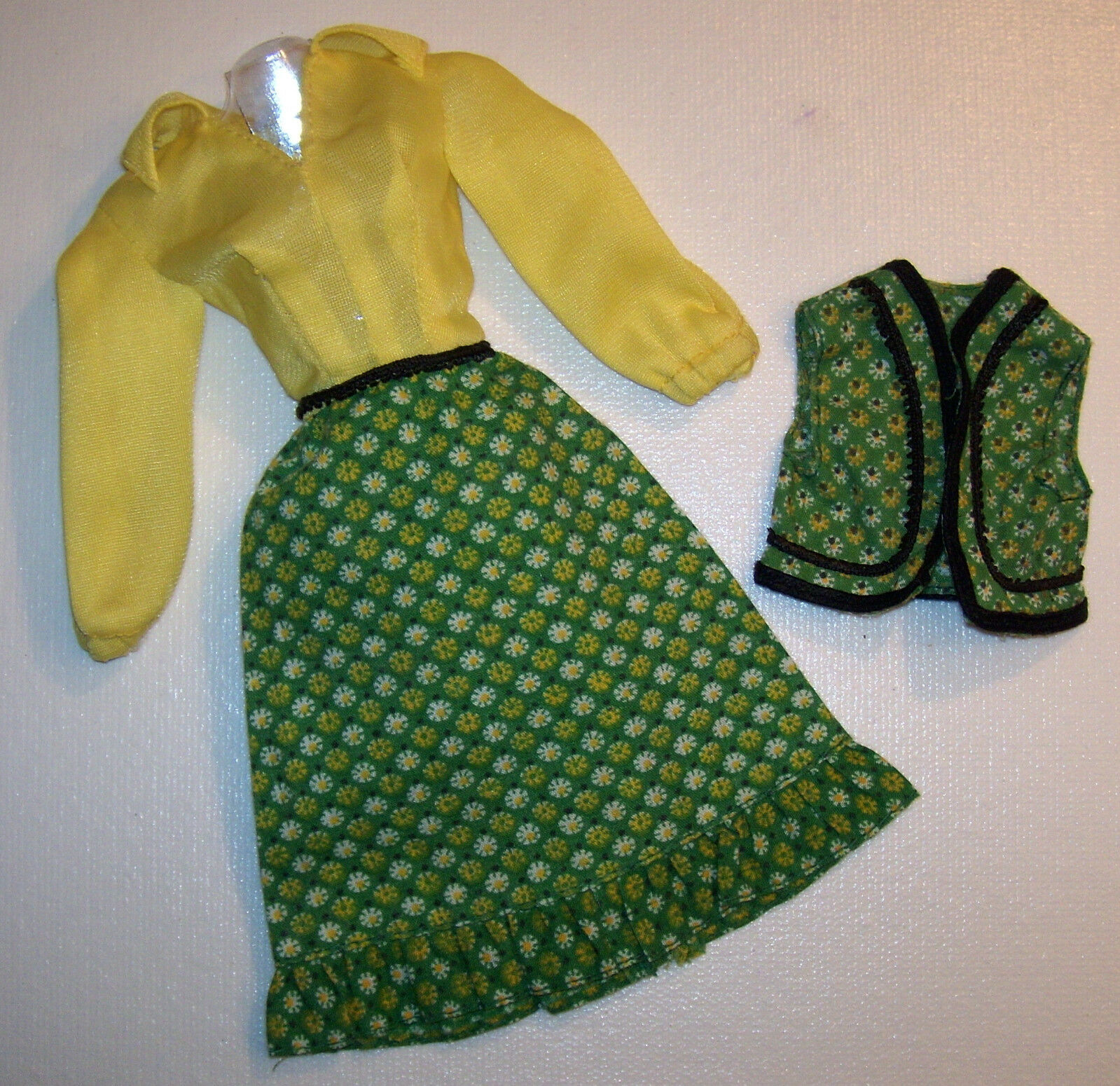 Vintage Barbie Best Buy Fashions  9627 Grün & Gelb Kleid & Weste 1977