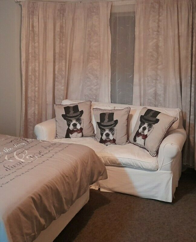 2 Seater Couch for sale with cushions