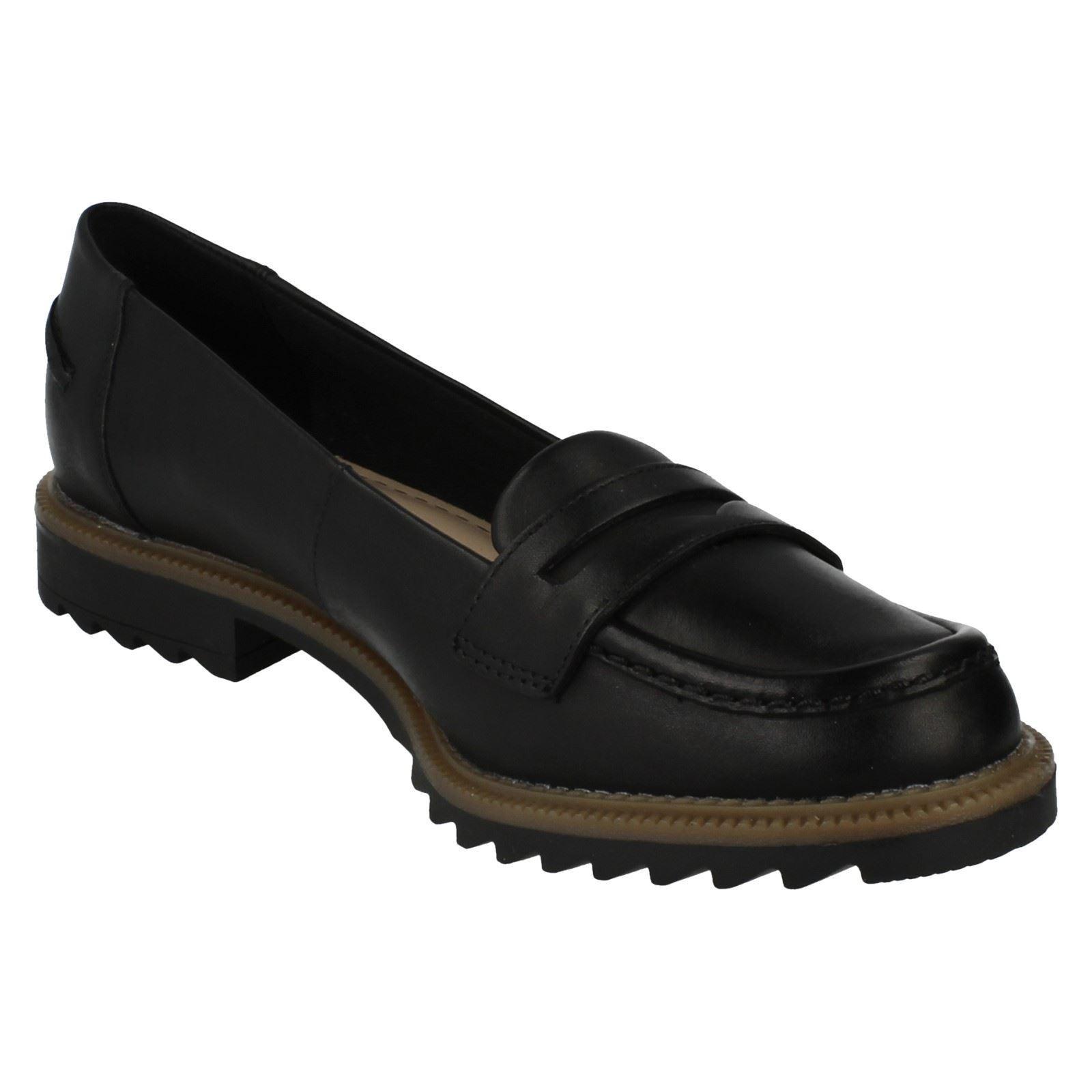 Damen Greifen Milly Schwarz Clarks Leder-Slipper Schuhe von Clarks Schwarz Einzelhandel ae07fd