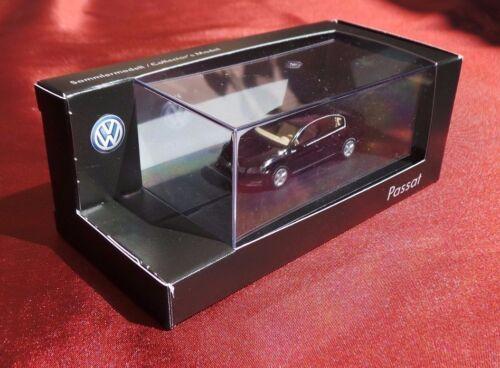 WIKING Sammlermodell H0, 1:87 VW Passat schwarz metallic Facelift NEUWARE