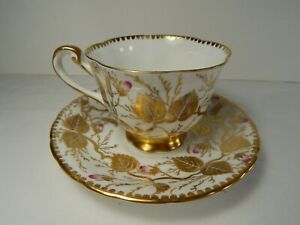Royal-Chelsea-Cup-and-Saucer-Gold-Leaf-Pattern-Pink-Rose-Buds
