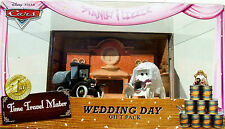 CARS DISNEY PIXAR SERIE TIME TRAVEL MATER WEDDING DAY STANLEY & LIZZIE TRES RARE