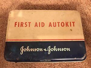 Vintage-Johnson-amp-Johnson-First-Aid-Autokit-tin-empty-W-1st-Aid-Guide