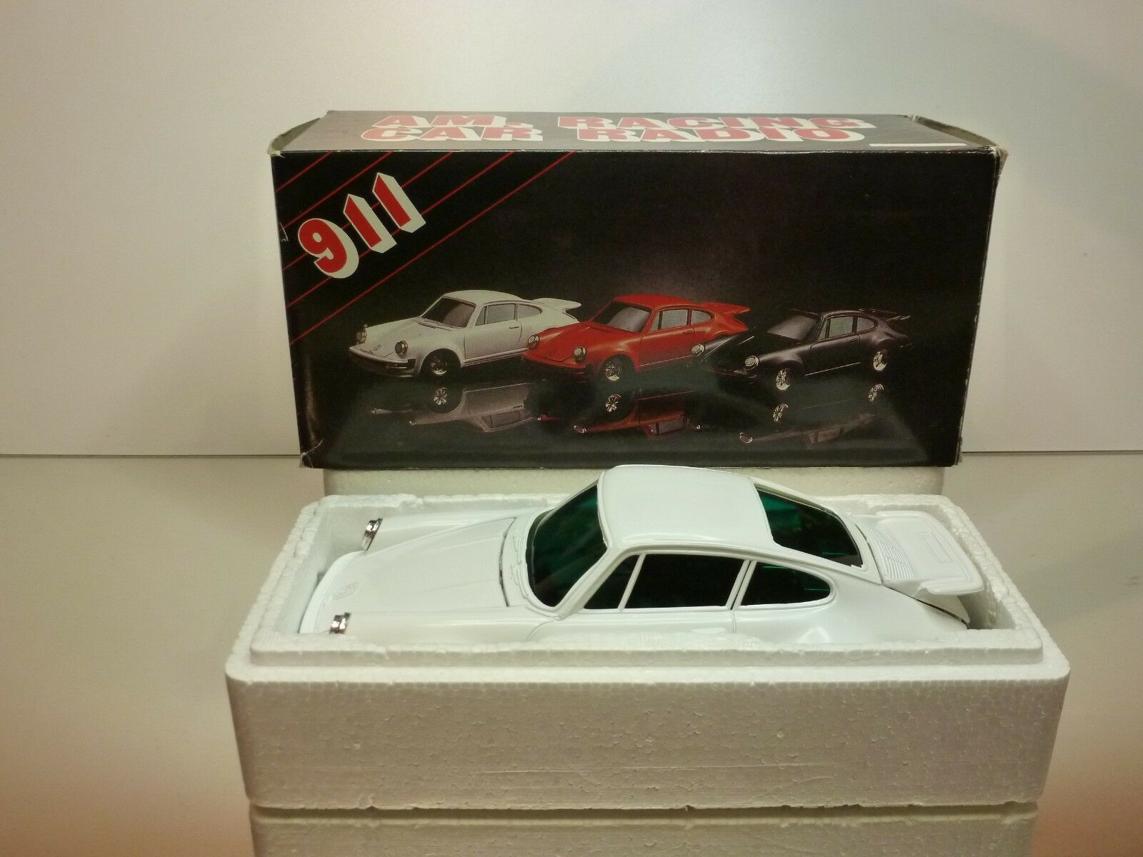 AM-RACING CAR RADIO POSCHE 911 - blanc 1 20- VERY GOOD IN BOX