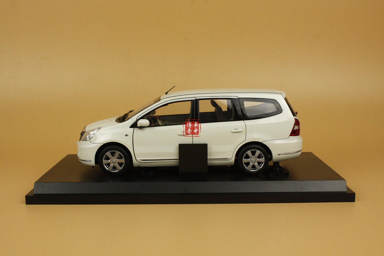 1 18 Nissan Geniss blanc Couleur diecast model