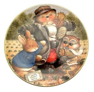 Country-Companions-Dressing-the-Scarecrow-Collector-Plate-Owls-Rabbits