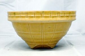 "VINTAGE McCOY POTTERY 8"" GOLD MIXING BOWL"