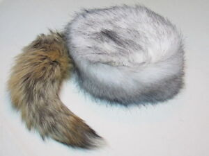 Arctic Wolf Tail Davey Crockett Coonskin Cap Real Fur Coon Daniel ... adbe7647f6b4
