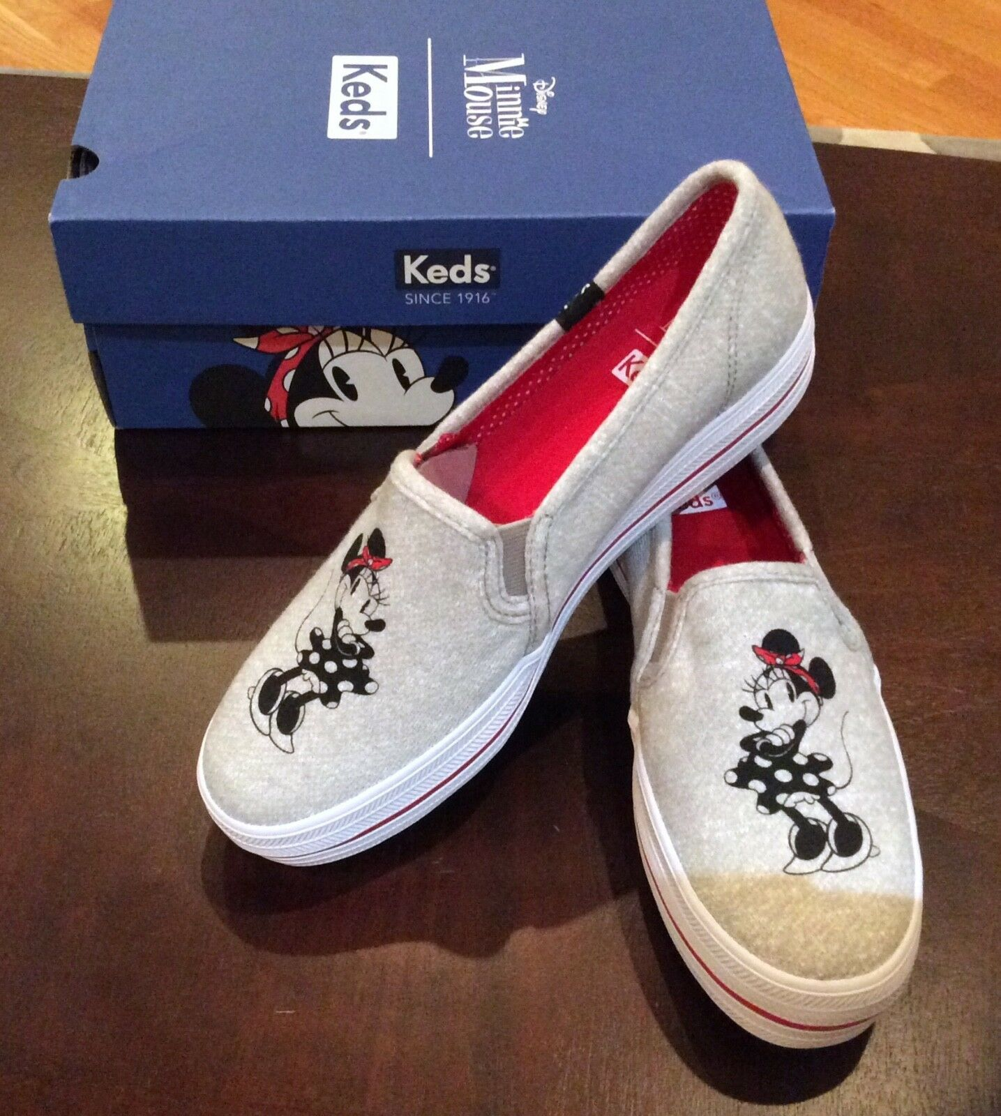Minnie Mouse Disney Keds Triple Deck Womens Grey Shoe Slip On Size 6 NEW