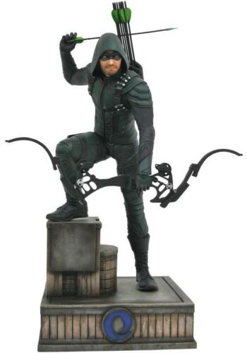 CW TV Series DC Gallery Arrow 9-Inch Collectible PVC Statue