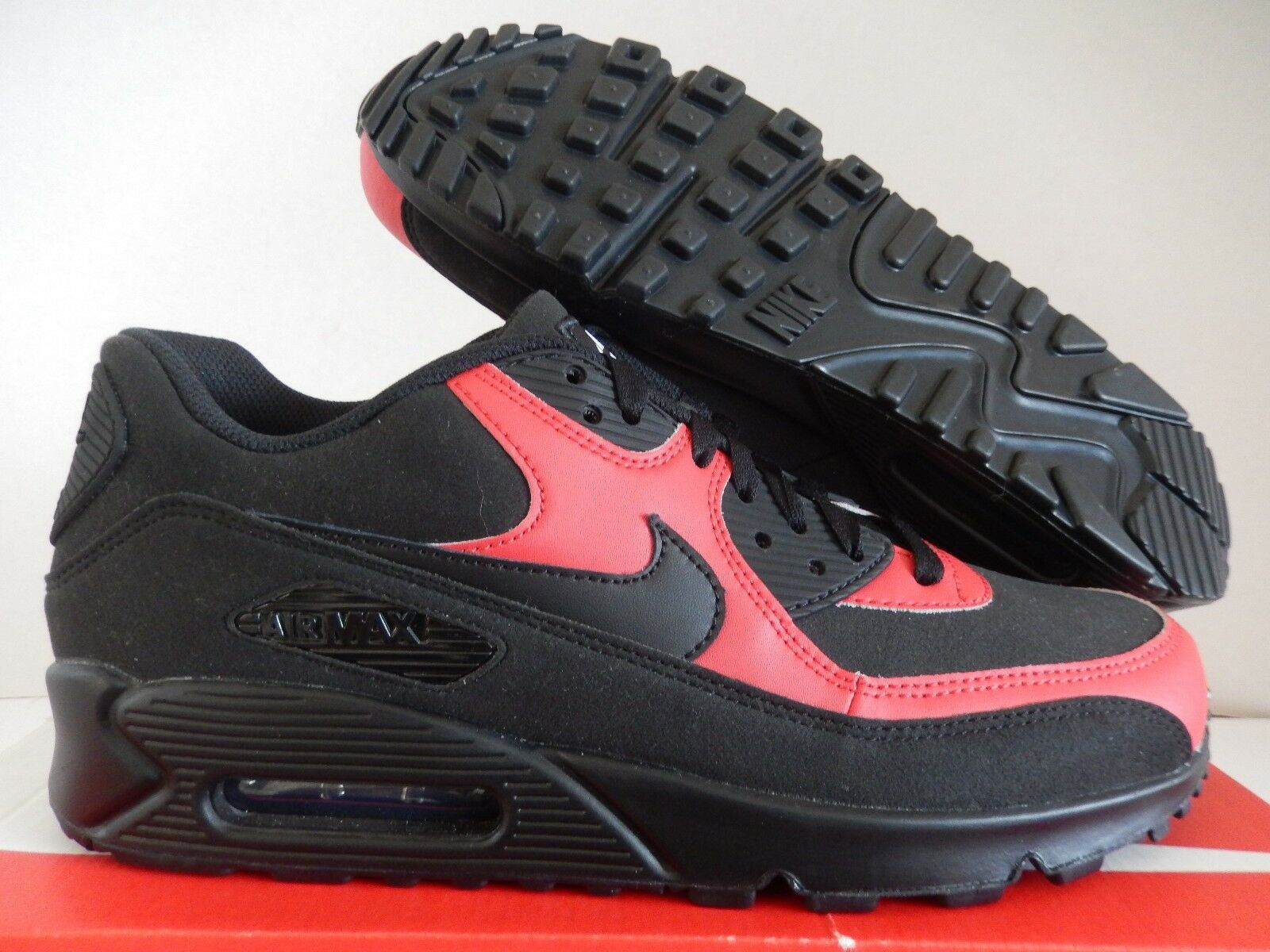 NIKE AIR MAX 90 ID BLACK-RED SZ 11 WOMENS-MENS SZ 9.5 [931896-993]