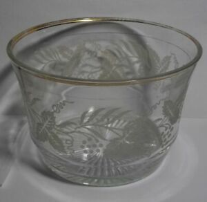 VINTAGE-FROSTED-ETCHED-GRAPE-LEAF-GLASS-BOWL-WITH-GOLD-TRIM-RIM