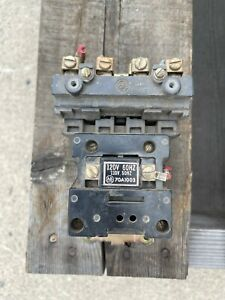 ALLEN BRADLEY CONTACTOR W COIL (70A1003) **CLEANED AND TESTED EOK**