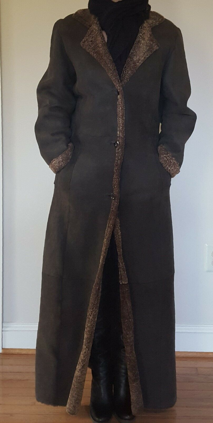 Shearlings long coat women winter size Small. Perfect condition