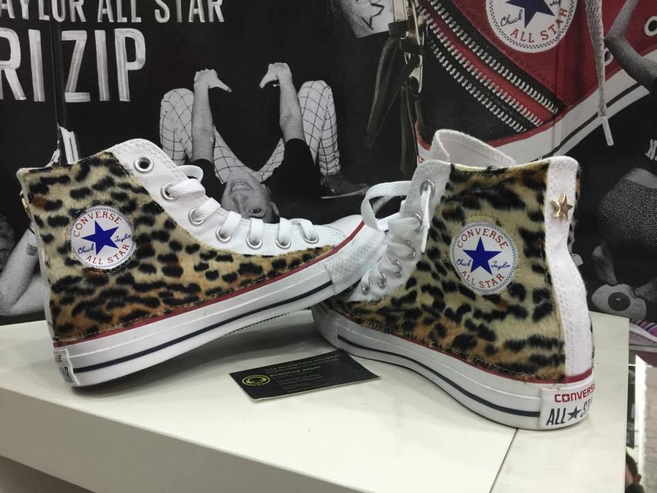 Converse Bianche Alte personalizzate Leopard borchie Oro Stella Oro borchie Star hand made e523ce