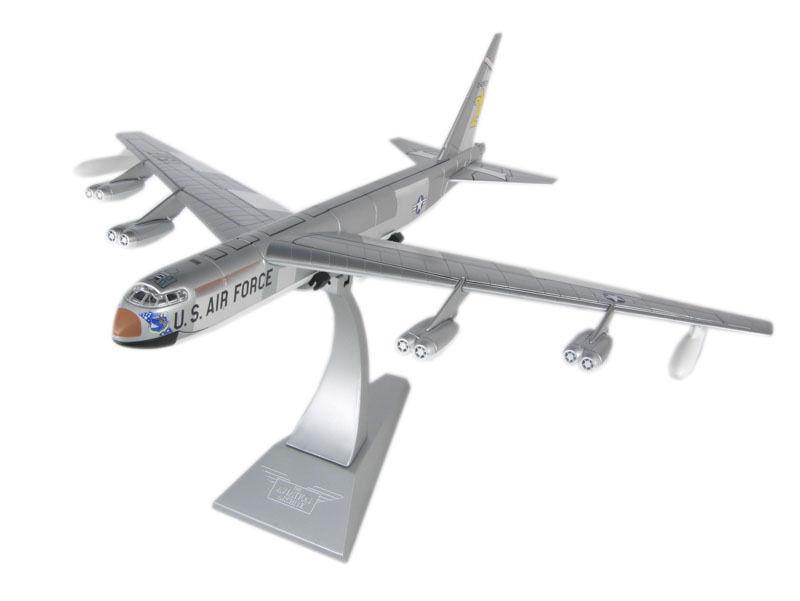 CORGI AA33501, BOEING B-52C  STRATOFORTRESS , 54-2672, 7th BW, CARSWELL AFB