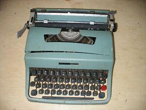 Vtg Olivetti Underwood Lettera 32 Typewriter Teal No Case Parts FREE US SHIPPING