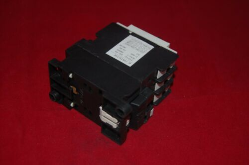 1pc New  FITS 3TF32 00 AC CONTACTOR 18A COIL 110V AC 50//60HZ