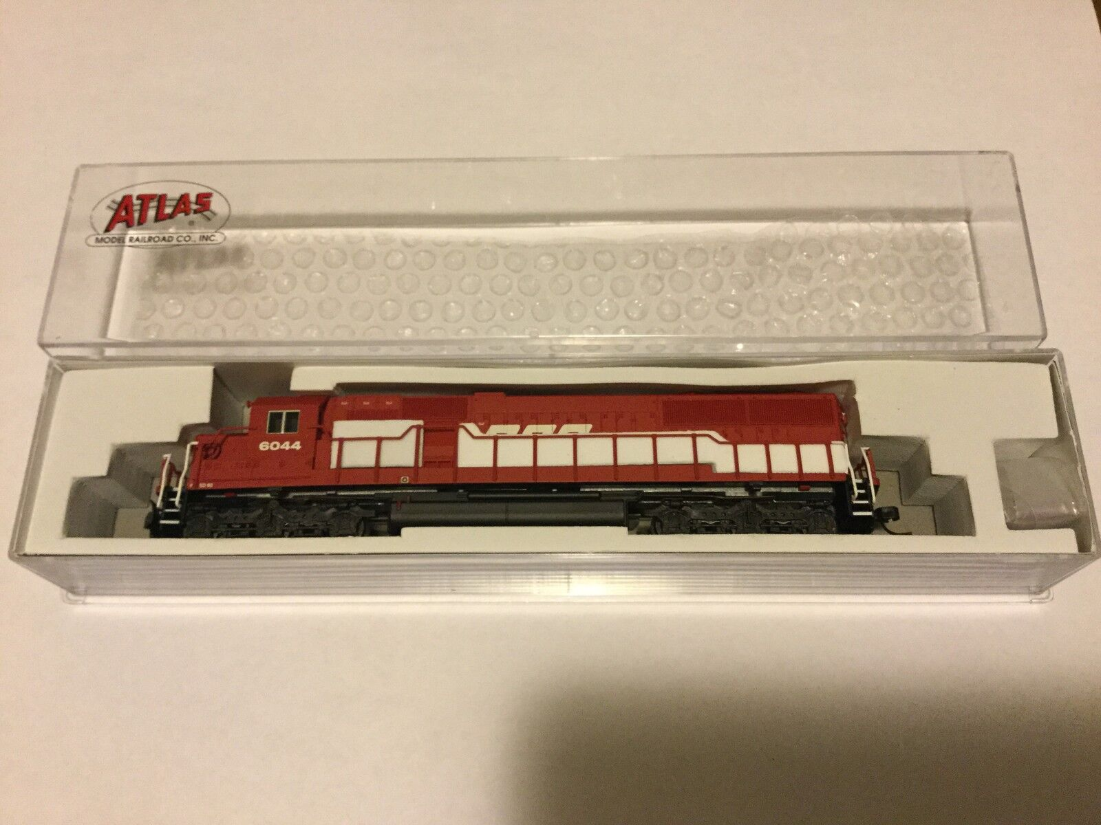 ATLAS 1/160 N Scale  SD-60 SOO LINE Rd  6044 NCE for DCC   40002067 F/S